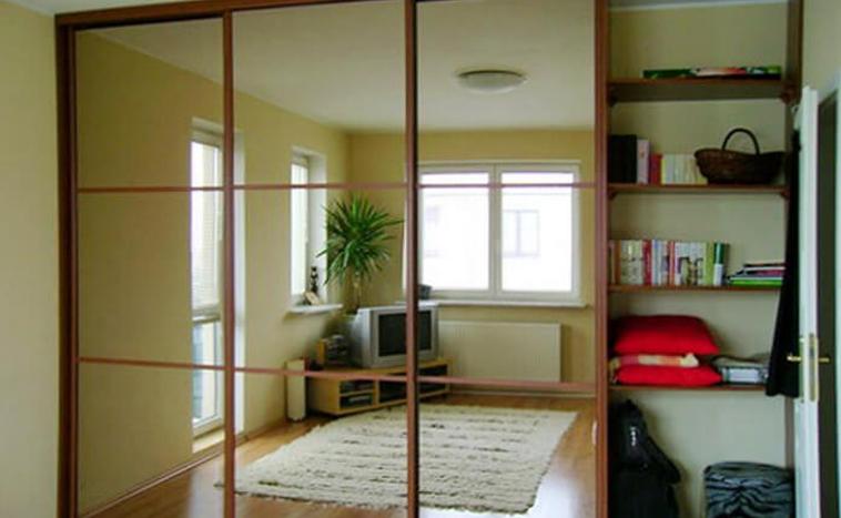 Двери с зеркалом для шкафов купе в Перми